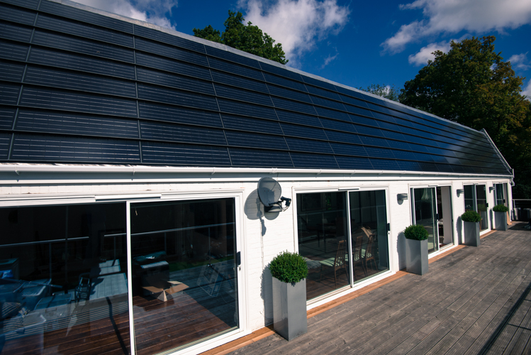 Solar Pv Panel Arrays Solar Tiles Flat Roof Systems Mcssolarage Solar Panel And Heat