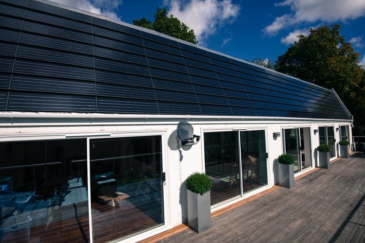 Solar Pv Panel Arrays Solar Tiles Flat Roof Systems